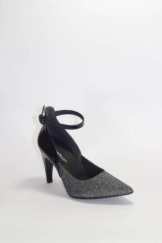 SAPATO PICCADILLY   749018
