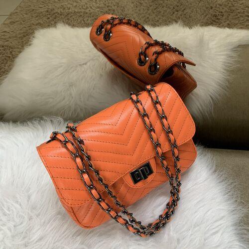 VERSALHES MÉDIA Bolsa de corrente em couro legítimo laranja matelassê chevron