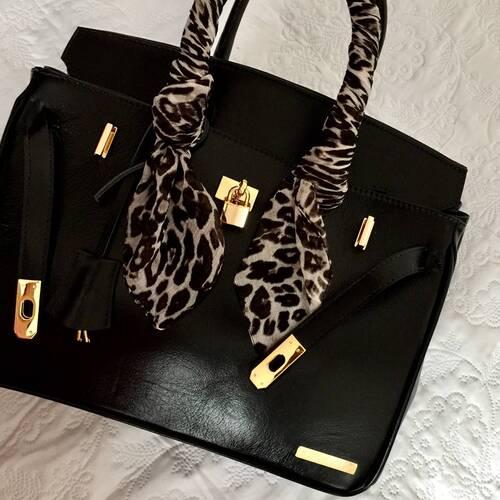 PARIS P Bolsa de mão couro legítimo preta com metais dourados