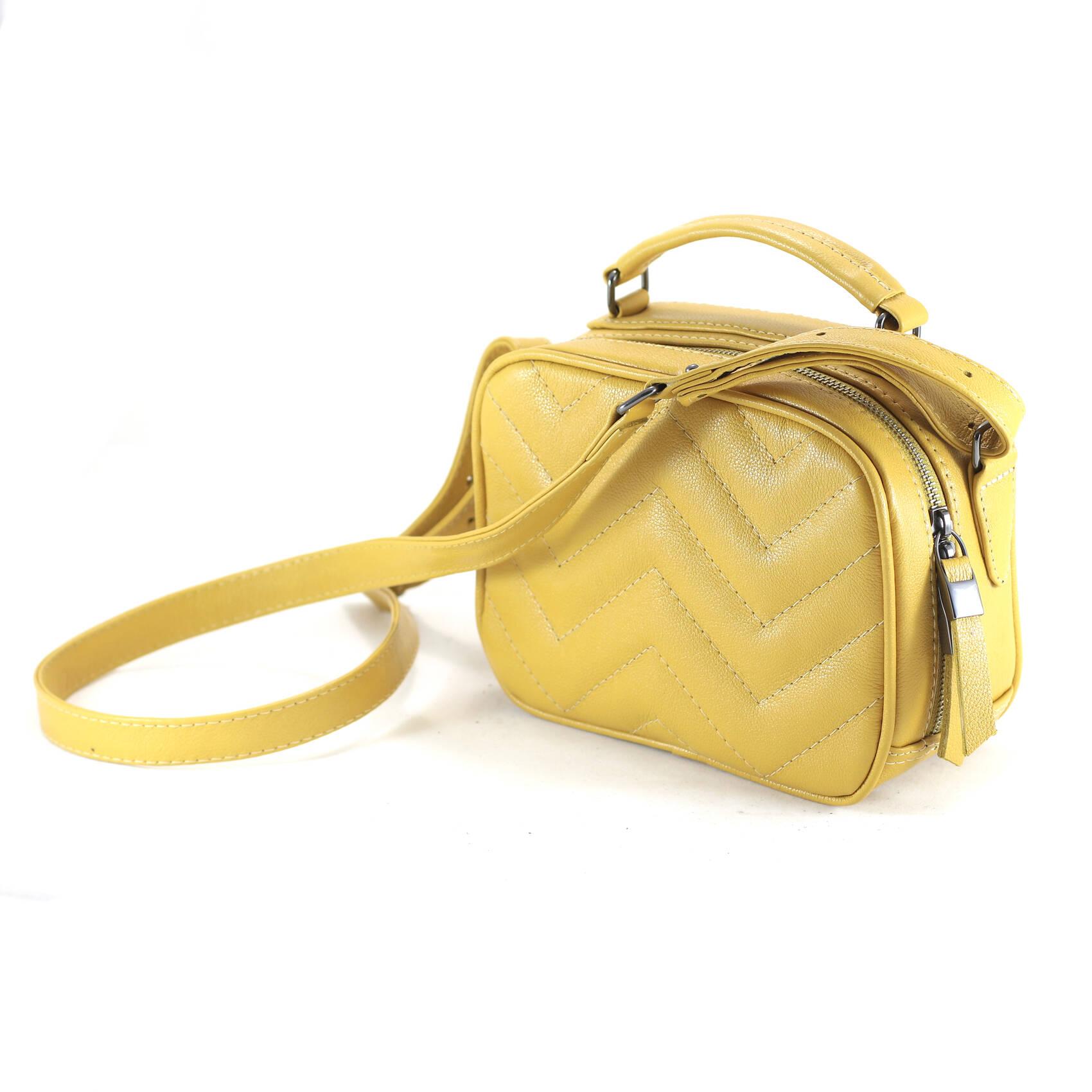 SANTORINI Bolsa quadradinha basica couro legitimo amarela