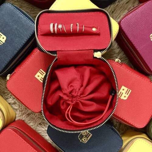 Porta-joias couro legítimo