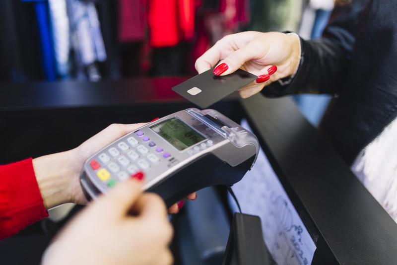 Saiba como escolher a melhor maquininha de cartão de crédito para sua empresa