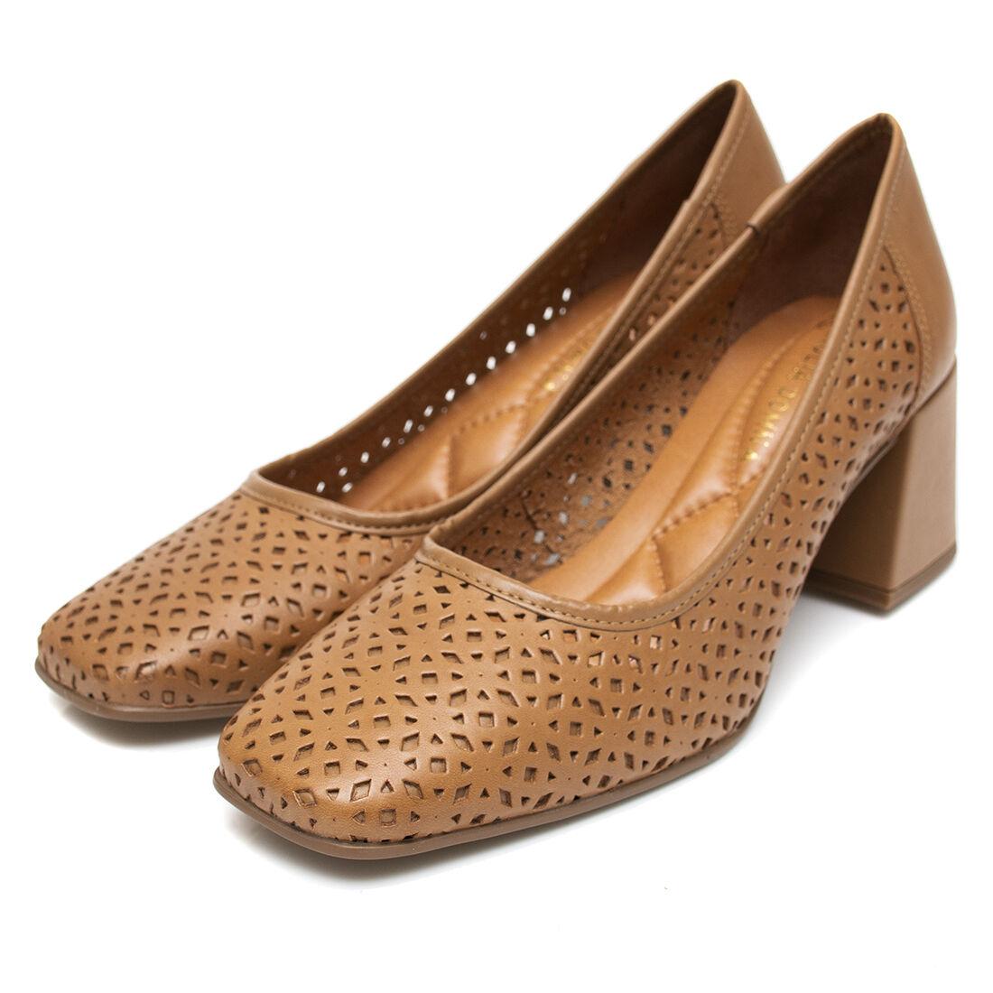 Sapato Giulia Domna em Couro Recorte a Laser Caramelo