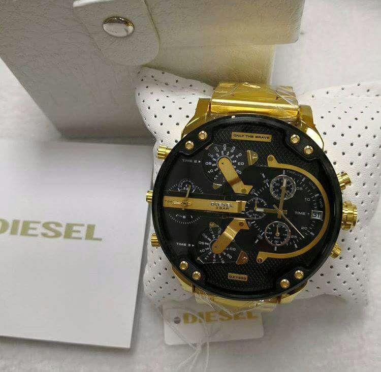 Relógio Diesel 3 BAR - Dourado e Preto