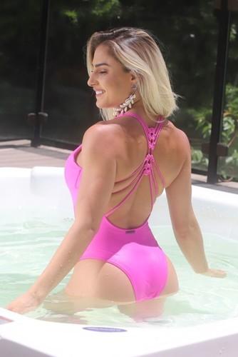 Body Fitness Maiô Costas Artesanal Rosa
