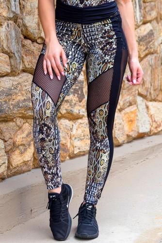 Calça Legging Fitness Recortes Recortes em Tela Estampa Digital Animal Print Cobra