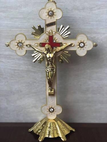 Crucifixo de Metal Dourado
