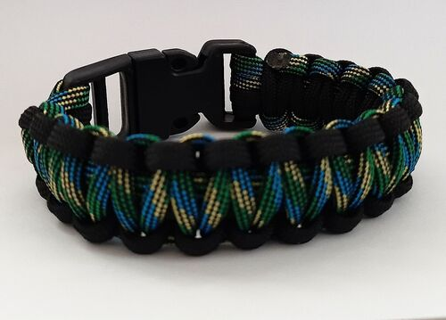 Pulseira Paracord 550 - Preto e Striped Brazil - DS84 COMBAT